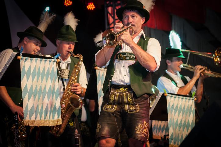 músicos na Oktoberfest em Santa Cruz do Sul - RS